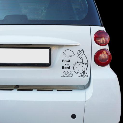 Beispiel Baby Auto Aufkleber Junge mit einer Schnecke und einer Wolke