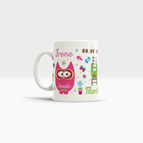 Kaffee Tasse Geburt für Ihr Familienglück mit niedlichen Eulen, Namen und Geburtsdatum. Ansicht links