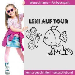 Baby Aufkleber Leni auf Tour mit niedlichem Schmetterling