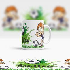 Kunststoff Tasse mit Namen und Fußball Motiv Ansicht rechts
