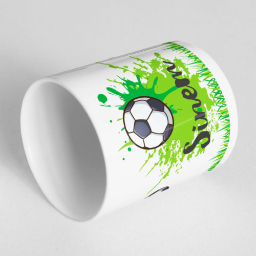 Mädchen Fußball Tasse mit drehbarem Fußball Ansicht liegend