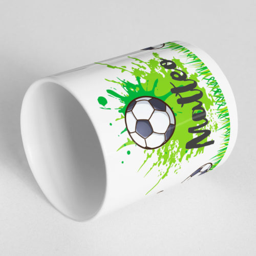 Tasse Fussball mit Namen und drehbarem Fussball Ansicht liegend