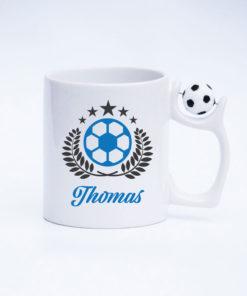 Fußball Tasse Torwart mit drehbarem Fußball am Henkel Ansicht rechts