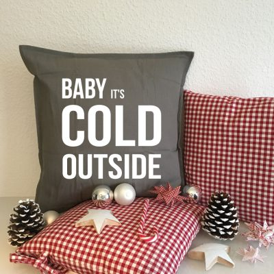 Dekoration Weihnachten Winter in der Adventszeit mit Kissen