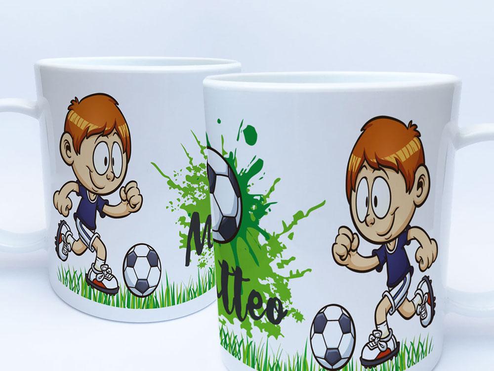 Kunststoff Tasse Mit Namen Und Fussball Motiv Rundum Bedruckt Kindertasse