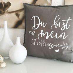 baby kissen zur geburt mit name geburtsdatum geschenk. Black Bedroom Furniture Sets. Home Design Ideas